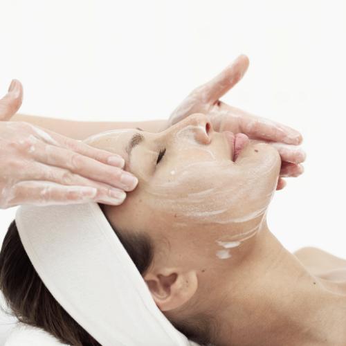 Deep Cleaning Facial HUSH